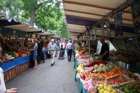 Food market on Saturday, art on Sunday