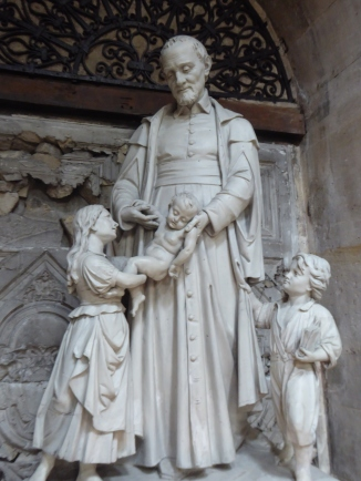 Statue in Saint-Paul-Saint-Louis church